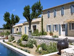 Les Belles Maisons Maisons Neuves Dans Le Luberon Un Mas Provençal En Pierre A