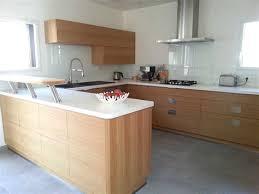 cuisine en bois cuisine bois et blanc laque 12 delia chiffonnier 5 tiroirs blanc