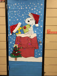 my christmas door decoration snoopy charliebrown christmas