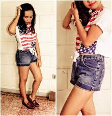 Flag Crop Top Vianne Del Rosario Hush Puppies Brown Comfy Shoes Jeans Knyzz