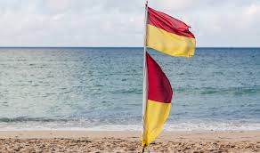 Uk Beach Flags Rnli Beach Safety Advice St Ives Cornwall