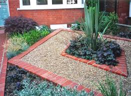 like the empty space with pea gravel around the planting i could