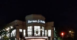 Barnes And Noble Clarendon Robert Dyer Bethesda Row Barnes And Noble Further Cuts Back