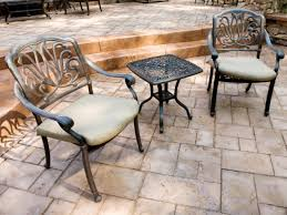 Patio Price Per Square Foot by Choosing Materials For Your Patio Hgtv