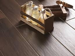 piastrelle marazzi effetto legno l effetto legno vintage di marazzi orsolini
