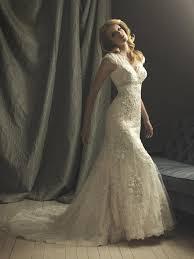 vintage wedding dresses dressed up