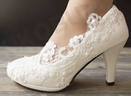 lace ivory wedding shoes best 25 low heel bridal shoes ideas on low heel