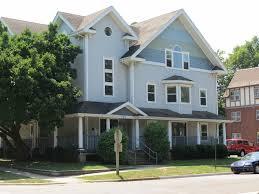 2 Bedroom Apartments In Champaign Il 2 3 Bedroom Apartments 701 W Elm St Urbana Il Hunsinger