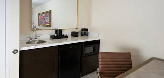 Wet Bar Hotel Embassy Suites Phoenix Scottsdale Hotel And Lodging