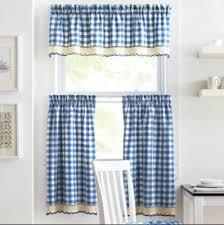 rideaux cuisine porte fenetre stores rideaux cantonnières comment choisir le bon habillage de