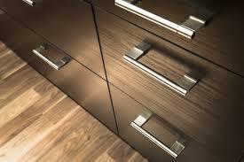 Bar Pulls For Kitchen Cabinets Kitchen Cabinet Hardware Knobs Or No Knobs Ballenvegas Com