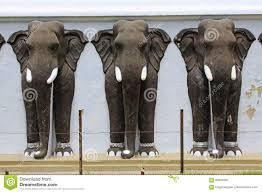 anuradhapura ruwanwelisaya stupa s elephant statue sri lanka