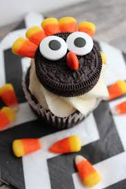 we easy thanksgiving oreo turkey cupcake toppers