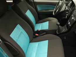 nettoyage de siege de voiture en tissu nettoyer les sièges de sa voiture 9 astuces nettoyage zeinelle