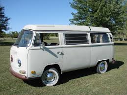 volkswagen van vw bus motoette in forward motion