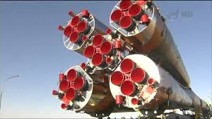 iss rollout of manned soyuz tma 10m spacecraft on russian rocket