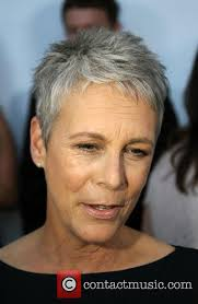 how to get the jamie lee curtis haircut jamie lee curtis hilton hosts the wedding celebration of paul
