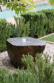 Patio Fountains Diy by Best 10 Rock Fountain Ideas On Pinterest Garden Fountains