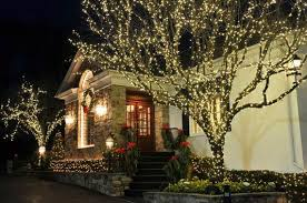 Outdoor Easter Decorations Lights by 60 Trendy Outdoor Christmas Decorations Family Holiday Net Guide