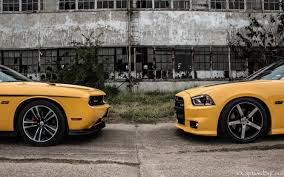 392 hemi dodge charger super bee and yellow jacket mopar