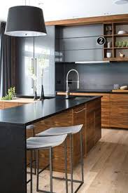 wood kitchen furniture metod kök med brokhult ljusgrå valnötsmönstrade lådfronter kök