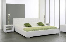 Schlafzimmer Bett Ecke Funvit Com Wohnzimmer Braun Grau Mit Rosa Dekoration