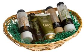 beauty gift baskets the beauty products deluxe gift basket 1 pc