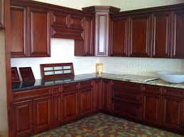 Shaker Cherry Kitchen Cabinets Cherry Kitchen Cabinets With Dark Wood Floors Cherry Cabinetscream