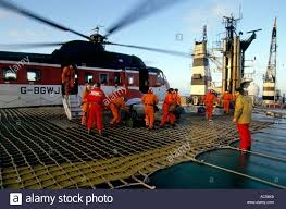 north sea oil rig helicopter stock photos u0026 north sea oil rig