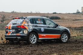 volkswagen dakar nový volkswagen tiguan na rallye dakar 2017 barth racing