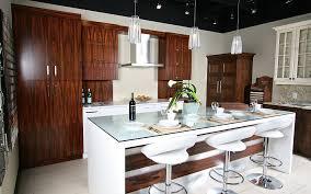 salle de montre cuisine salle de montre espace cuisine classique panneaux d armoires