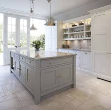 kitchen cabinets with white tile floors 30 beautiful and inspiring light filled kitchens with white