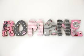 lettre porte chambre bébé lettre porte bébé pi ti li