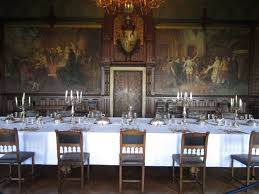 Httpirisinteriorsfileswordpresscomcastledining - Castle dining room
