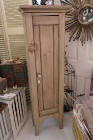 Primitive Country Bathroom Ideas Best 25 Primitive Cabinets Ideas On Pinterest Prim Decor Old