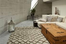 choosing an area rug choosing the right area rug carpet plus flooring store in