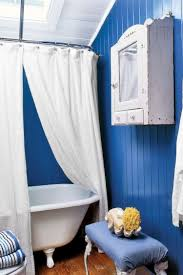 Blue And White Bathroom Ideas by Ideas For Decorating With Blue And White Recycled Things
