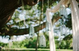 Backyard Wedding Lighting by Pull Off The Perfect Backyard Wedding Pointers For Planners