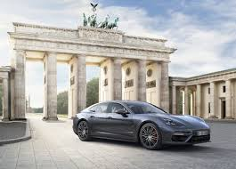 porsche panamera 2017 porsche debuts 2017 panamera sports car with carplay support mac