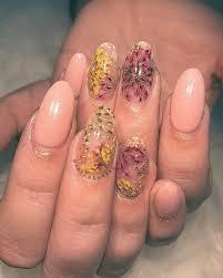 nailboss dried flowers nail art nails pinterest flower nail