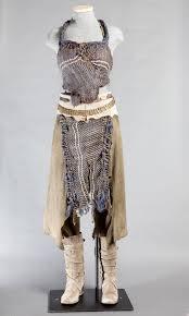 daenerys targaryen costume spirit halloween daenerys targaryen led a khalasar across the desert in this