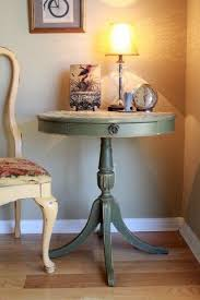 Diy Round End Table by Best 25 Round Side Table Ideas On Pinterest Shanty Chic Chic 2