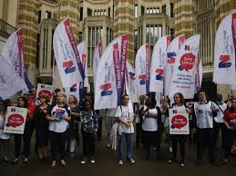 nhs nurses to protest parliament over public sector pay cap the