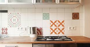 küche verschönern aus alt mach neu fliesenfolie creatisto