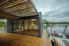 doc temporary floating house lime studio archdaily