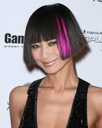 bai ling u0027s short hairstyle with bangs and pink highlights