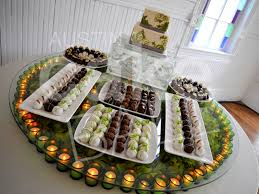 wedding platter cakes and cake wedding favors in