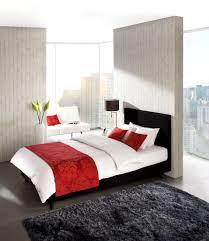 Wohnzimmer Einrichten In Rot Wohnzimmer Rot Ansprechend Auf Moderne Deko Ideen Auch Modernes