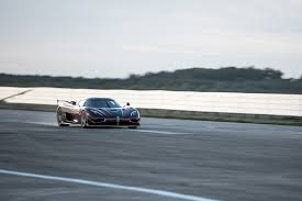 koenigsegg regera key watch koenigsegg agera rs smashes 0 249mph 0 world record by car
