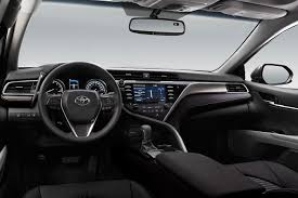 xe lexus vatgia camry 2018